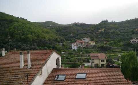 Appartamento in vendita a Pontedassio, 6 locali, prezzo € 69.000 | CambioCasa.it
