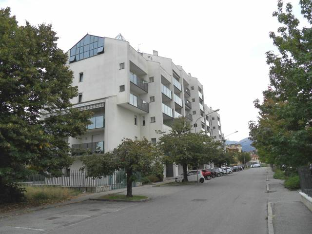 Appartamento in vendita a Biella, 6 locali, prezzo € 390.000 | CambioCasa.it