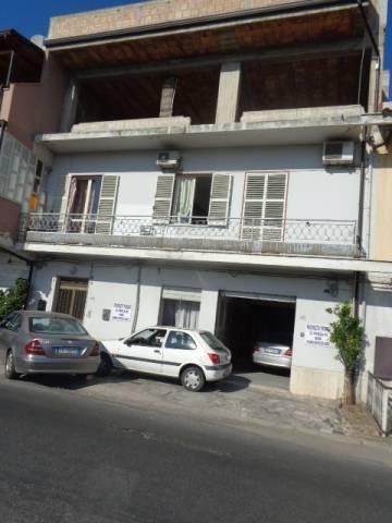 Palazzo / Stabile in Vendita a Marina di Gioiosa Ionica