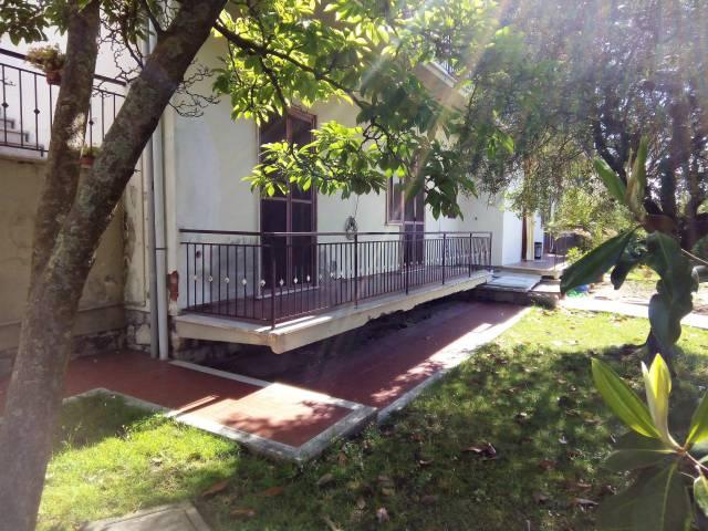 Appartamento in vendita a Uzzano, 9999 locali, prezzo € 90.000 | CambioCasa.it