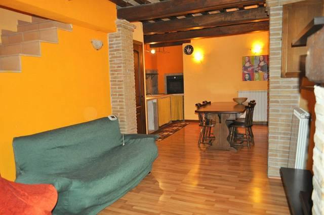 Appartamento in affitto a Montebuono, 3 locali, prezzo € 350 | CambioCasa.it