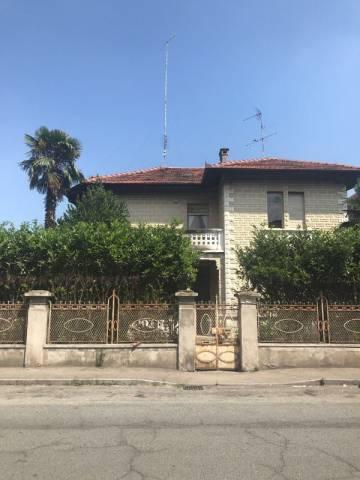 Villa in vendita a Pinerolo, 6 locali, prezzo € 360.000 | CambioCasa.it
