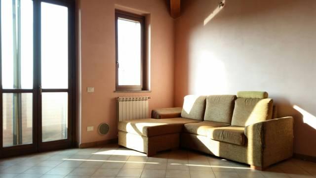Appartamento in vendita a Caselle Lurani, 3 locali, prezzo € 85.000 | CambioCasa.it