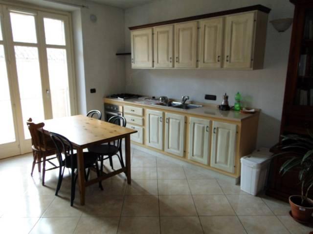 Appartamento in vendita a Nizza Monferrato, 2 locali, prezzo € 110.000 | CambioCasa.it