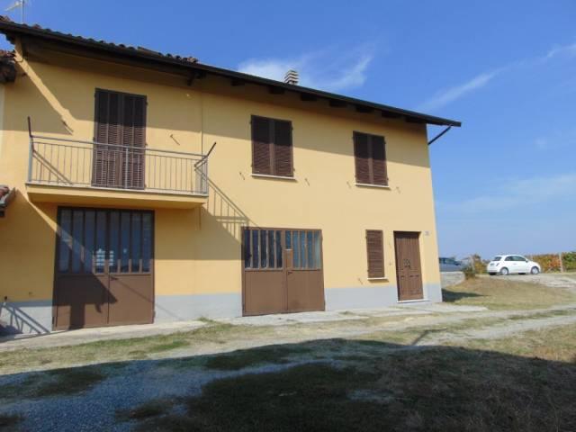 Rustico / Casale in vendita a Castel Boglione, 5 locali, prezzo € 170.000 | CambioCasa.it