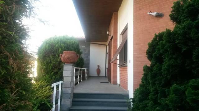Villa in vendita a Cavaria con Premezzo, 5 locali, prezzo € 219.000 | CambioCasa.it