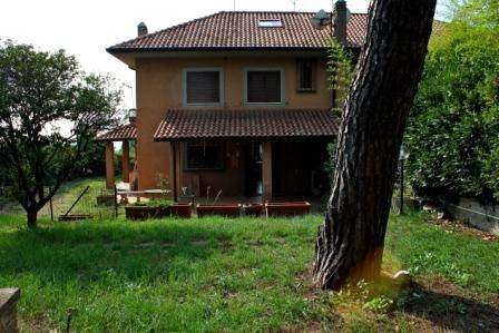 Villa in vendita a Velletri, 6 locali, prezzo € 258.000 | CambioCasa.it
