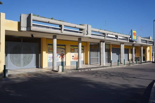 Negozio / Locale in affitto a Veglie, 3 locali, prezzo € 1.000 | CambioCasa.it