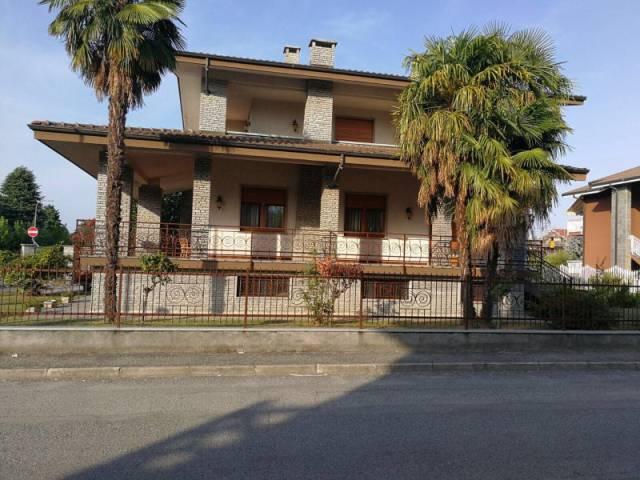 Villa in vendita a Bricherasio, 6 locali, prezzo € 465.000 | CambioCasa.it