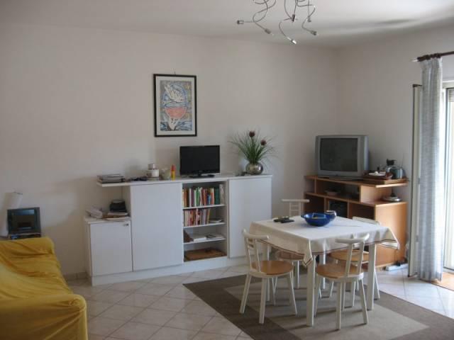 Appartamento in vendita a Fondi, 3 locali, prezzo € 185.000 | CambioCasa.it