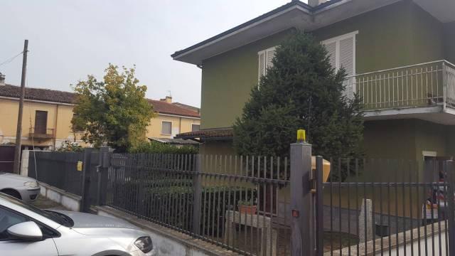 Villa in vendita a Linarolo, 6 locali, prezzo € 195.000 | CambioCasa.it