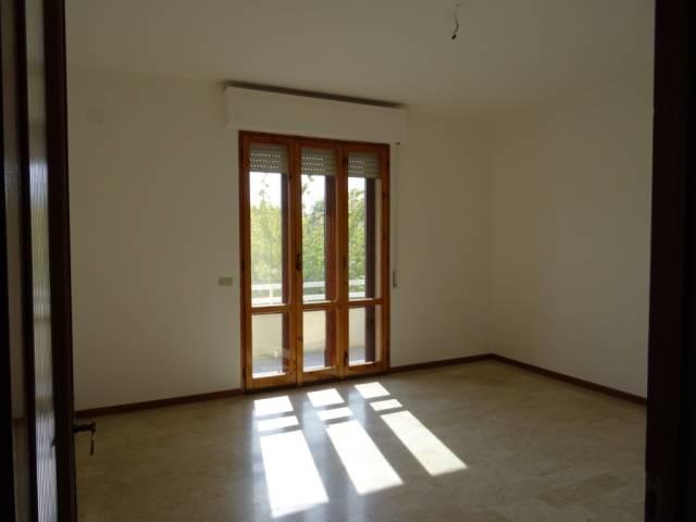 Appartamento in affitto a San Giuliano Terme, 9999 locali, prezzo € 600 | CambioCasa.it