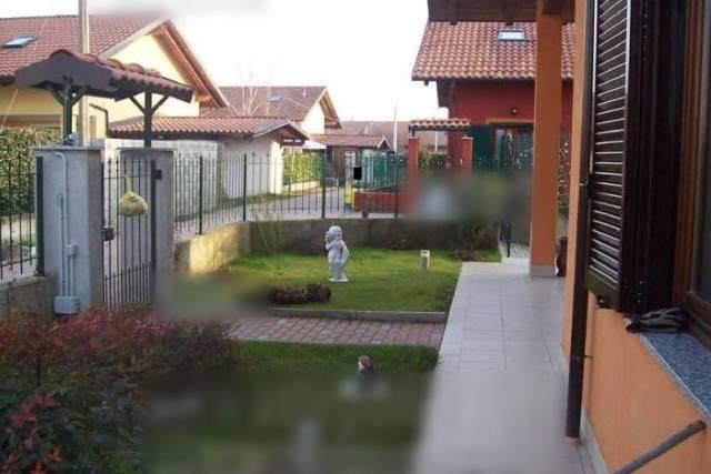 Villa in vendita a Mazzè, 6 locali, prezzo € 110.000 | CambioCasa.it