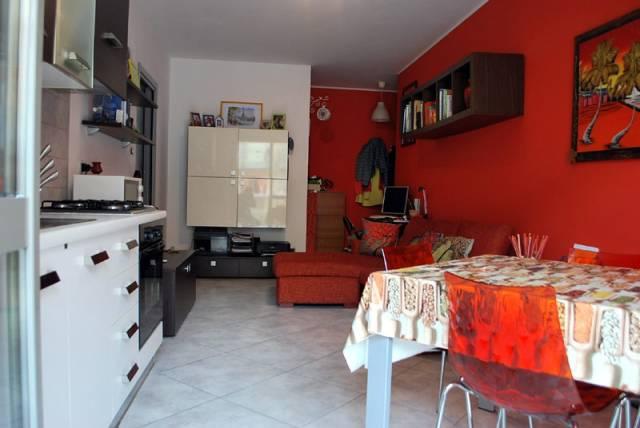 Appartamento in affitto a Alba, 2 locali, prezzo € 430 | CambioCasa.it