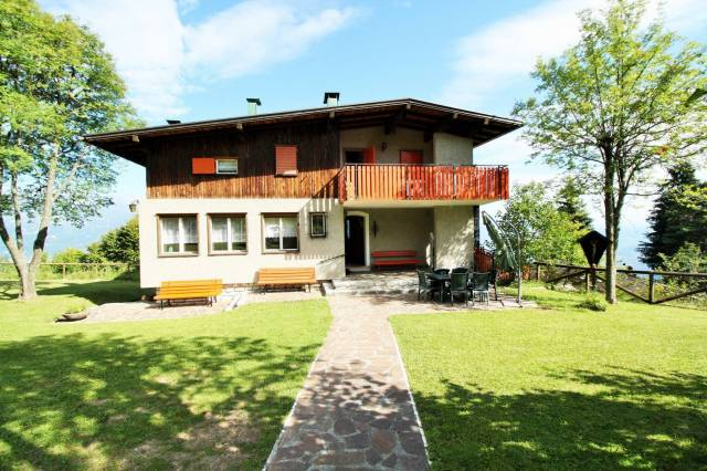 Villa in vendita a Trento, 6 locali, prezzo € 290.000 | CambioCasa.it