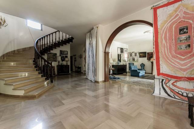 Villa in vendita a Foggia, 6 locali, Trattative riservate | CambioCasa.it
