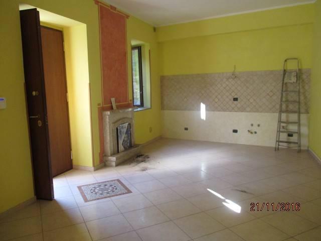 Appartamento in affitto a Montoro, 2 locali, prezzo € 300 | CambioCasa.it