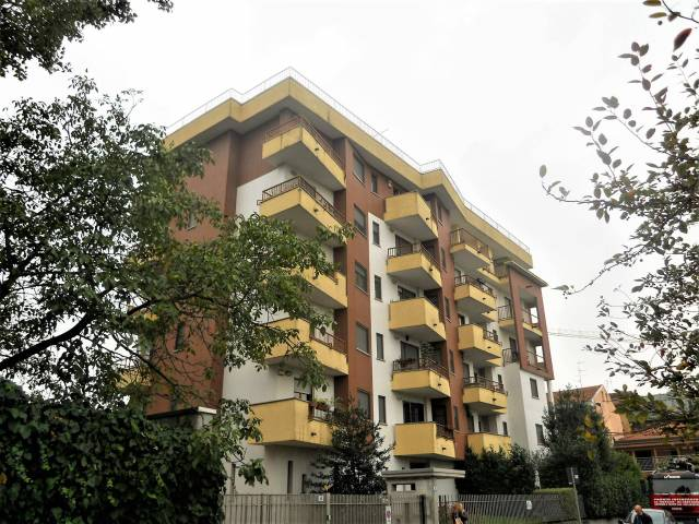 Appartamento in vendita a Rozzano, 2 locali, prezzo € 154.000 | CambioCasa.it