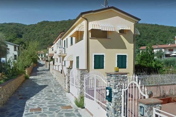 Villa a Schiera in Vendita a Ameglia