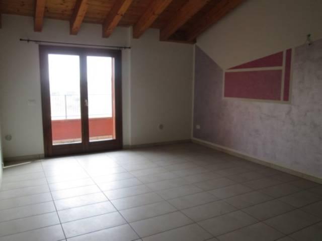 Appartamento in vendita a Goito, 3 locali, prezzo € 80.000 | CambioCasa.it