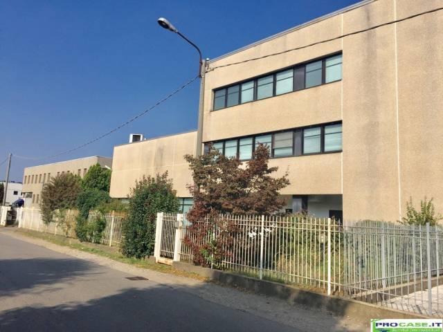 Laboratorio in vendita a Saronno, 6 locali, prezzo € 350.000 | CambioCasa.it