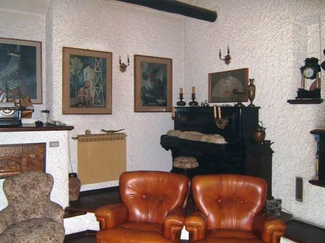 Appartamento in vendita a Scanzorosciate, 3 locali, prezzo € 130.000 | CambioCasa.it