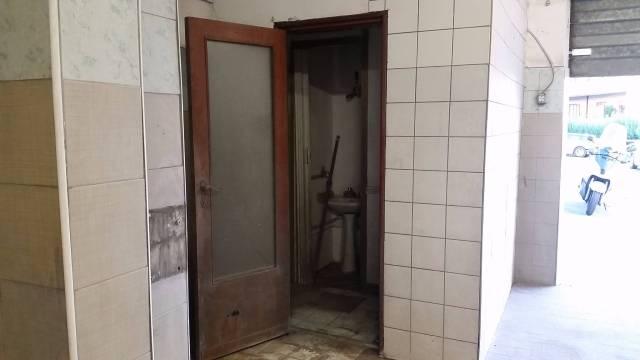 Negozio / Locale in affitto a Albano Laziale, 1 locali, prezzo € 600 | CambioCasa.it