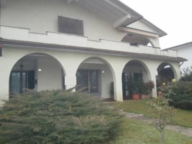 Negozio / Locale in vendita a Goito, 2 locali, prezzo € 230.000 | CambioCasa.it