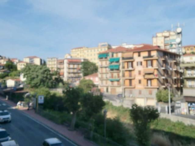 Appartamento in affitto a Imperia, 3 locali, prezzo € 550 | CambioCasa.it