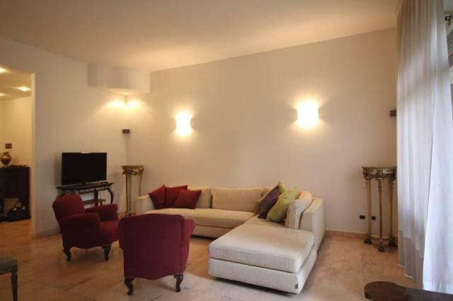 Appartamento in Affitto a Milano 08 Vercelli / Magenta / Cadorna / Washington: 2 locali, 110 mq