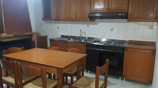 Appartamento in affitto a Sant'Arpino, 2 locali, prezzo € 350 | CambioCasa.it