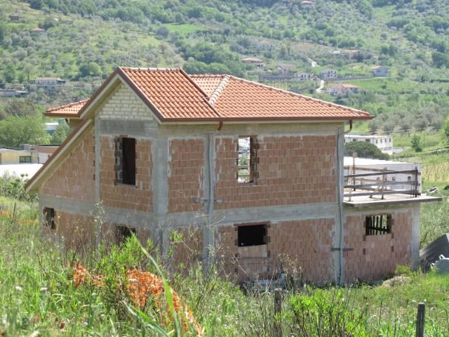 Villa in Vendita a Laureana Cilento