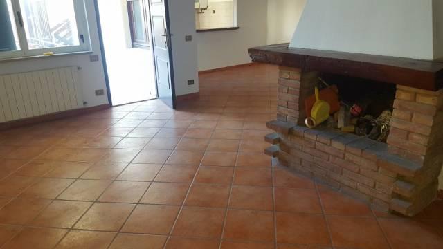Appartamento in vendita a Cadorago, 4 locali, prezzo € 100.000 | CambioCasa.it