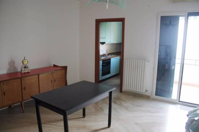 Appartamento in affitto a Valenzano, 4 locali, prezzo € 620 | CambioCasa.it