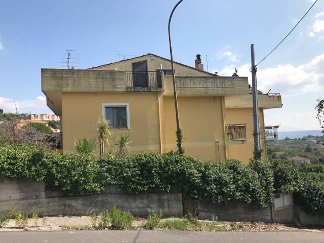 Appartamento in vendita a Montecorvino Pugliano, 3 locali, prezzo € 75.000 | CambioCasa.it