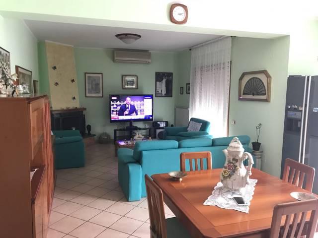 Appartamento in vendita a Montecorvino Pugliano, 3 locali, prezzo € 130.000 | CambioCasa.it
