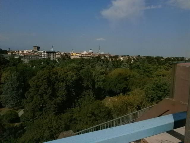 Attico / Mansarda in Affitto a Vicenza