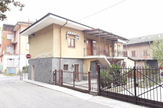 Villa in vendita a Canale, 5 locali, prezzo € 179.000 | CambioCasa.it
