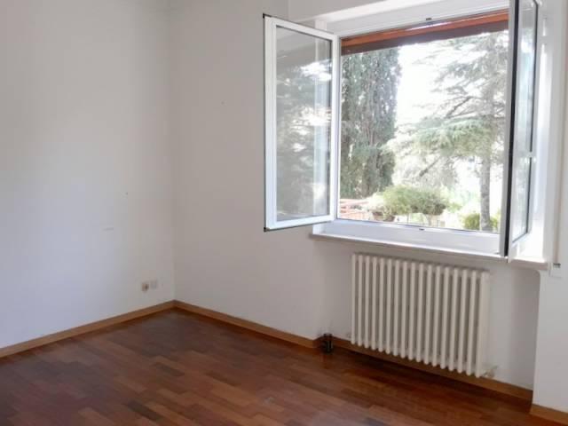 Appartamento in affitto a Imperia, 5 locali, prezzo € 850 | CambioCasa.it
