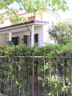 Villa in vendita a Lugagnano Val D'Arda, 5 locali, prezzo € 150.000 | CambioCasa.it