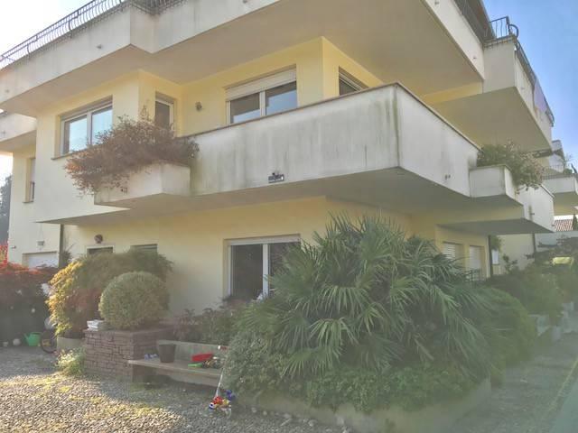 Appartamento in affitto a Uggiate-Trevano, 5 locali, prezzo € 1.200 | CambioCasa.it