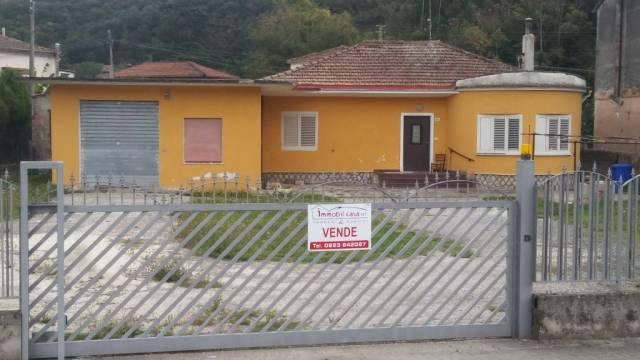 Soluzione Indipendente in vendita a Pratella, 5 locali, prezzo € 135.000 | CambioCasa.it