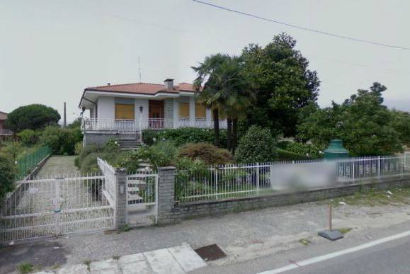 Villa in vendita a Castellamonte, 6 locali, prezzo € 128.000 | CambioCasa.it