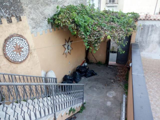 Soluzione Indipendente in vendita a Mercato San Severino, 3 locali, prezzo € 69.000   CambioCasa.it