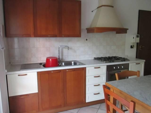 Appartamento in affitto a Castelnuovo del Garda, 2 locali, prezzo € 500 | CambioCasa.it