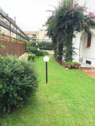 Villa in vendita a Manfredonia, 6 locali, prezzo € 500.000 | CambioCasa.it
