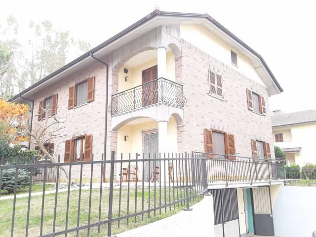 Villa in vendita a Villafranca d'Asti, 6 locali, prezzo € 210.000 | CambioCasa.it
