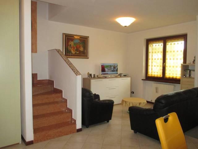 Villa a Schiera in vendita a Peschiera del Garda, 6 locali, prezzo € 260.000   CambioCasa.it