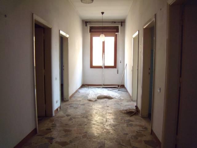 Appartamento in vendita a Agliana, 3 locali, prezzo € 140.000 | CambioCasa.it