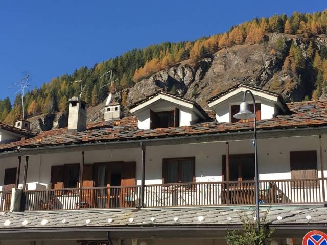 Appartamento in vendita a Ayas, 5 locali, prezzo € 540.000 | CambioCasa.it